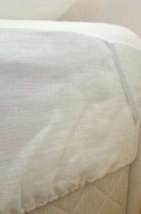 White childrens' fitted sheet 90x180x18 cm