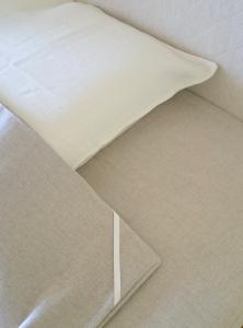 Natural double bed flat sheet 180x200 cm